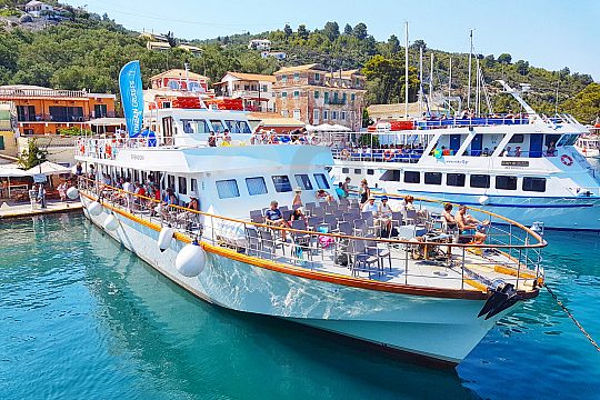 by boat from corfu to paxos