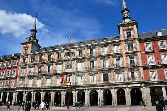 visit the sights of Madrid with a guide
