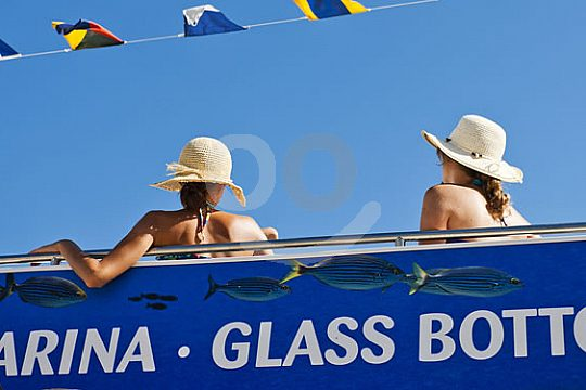 Boat trip with the glass-bottom boat in Menorca