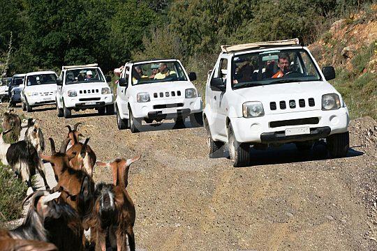 Spaß und Abenteuer beim Jeep fahren auf Kreta