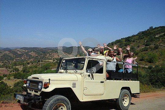 Jeep Safari Algarve Group in Albufeira