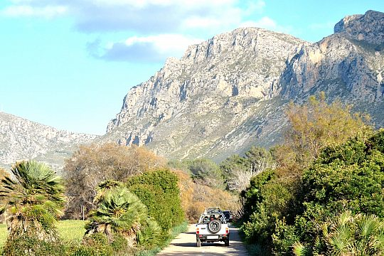 Cala Millor jeep tour with views at Tramuntana