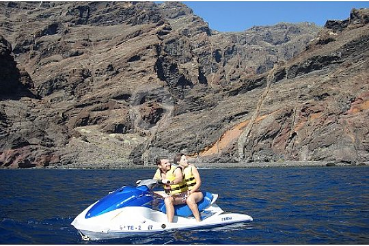Along the bays with the jet ski in Tenerife