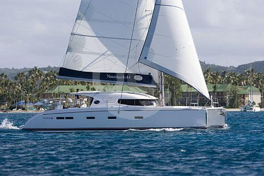 charter a small catamaran in Mallorca