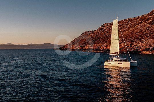 Catamaran sailing Mallorca