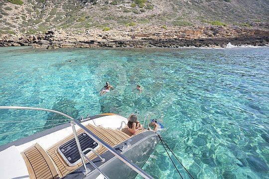 catamaran tour with swim stop at Cala Vella