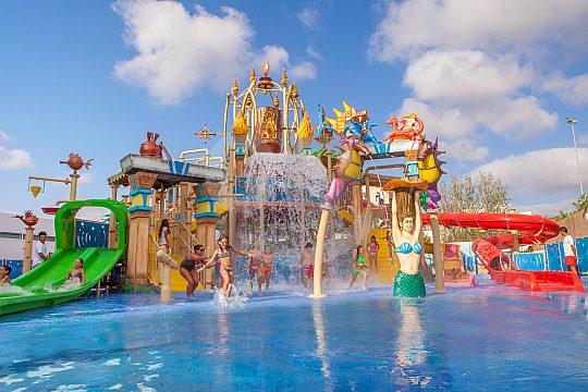 Water park at Mallorcas Katmandu Park