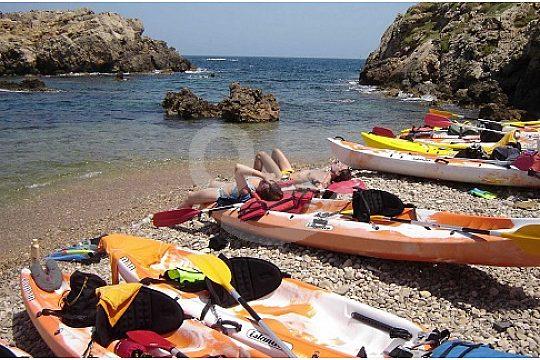 kayaking Menorca beaches and bays