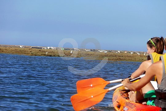 Paddle on a kayak in the Algarve