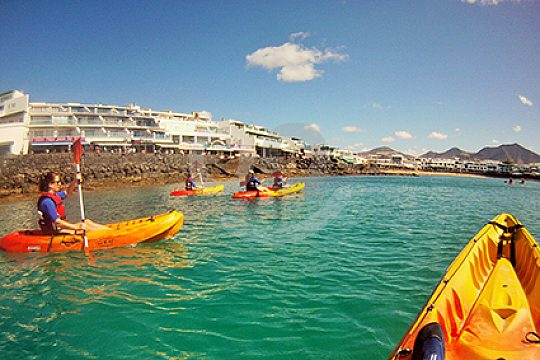 group paddling with the kayaks