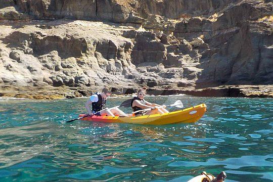 Kayak tour on the coast