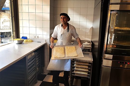 Visit of an Athenian pastry chef