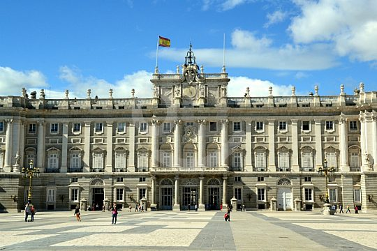 on guided walking tour in Madrid