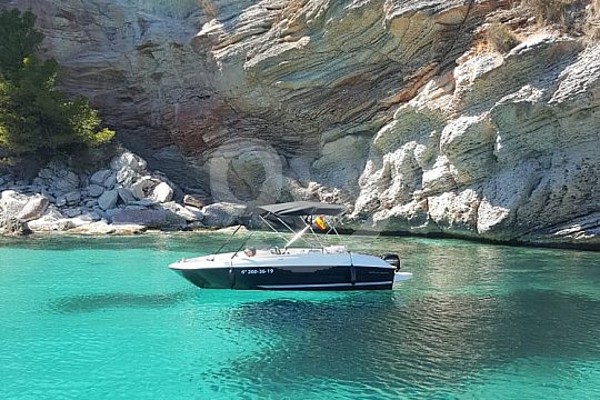 Boating in Mallorca without driving licence