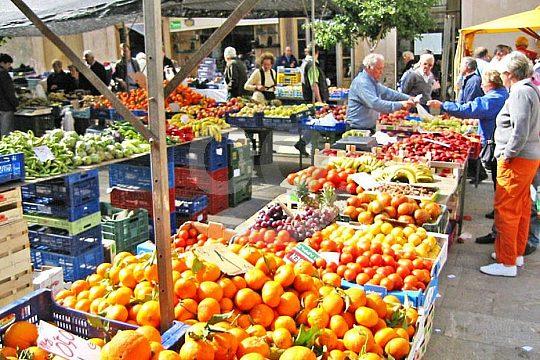 weekly market excursion from Playa de Palma