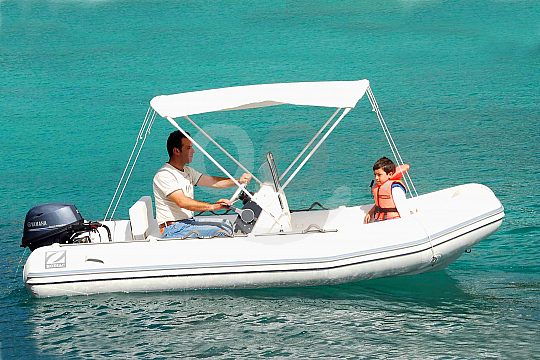 Rent an inflatable dinghy in Mallorca