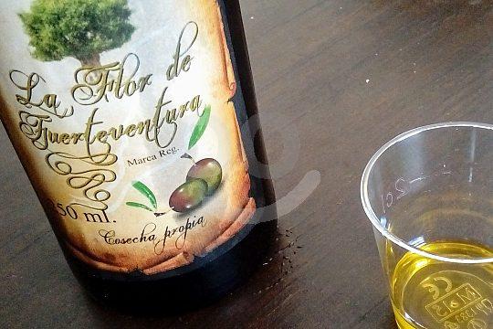 authentic olive oil and wine tasting on Fuerteventura
