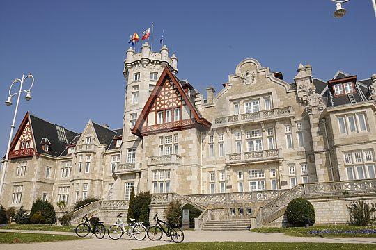Palace of La Magdalena Santander during electric bike tour