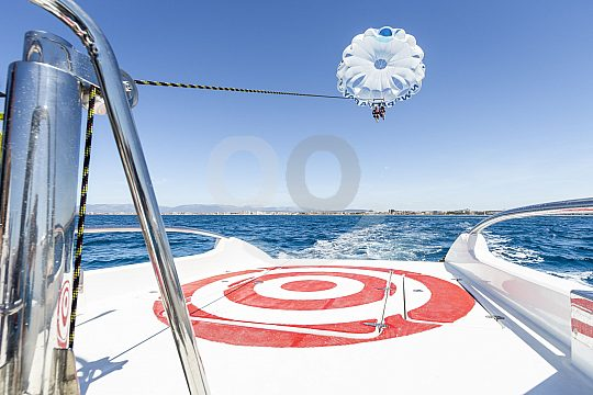 Parasailing in the south of Mallorca