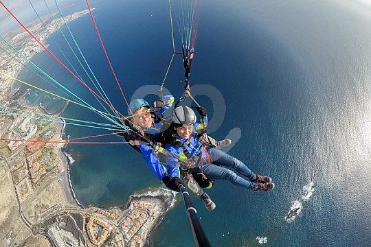 Teneriffa Paragliding über dem Meer