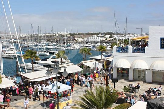 Playa Blanca market in the harbour