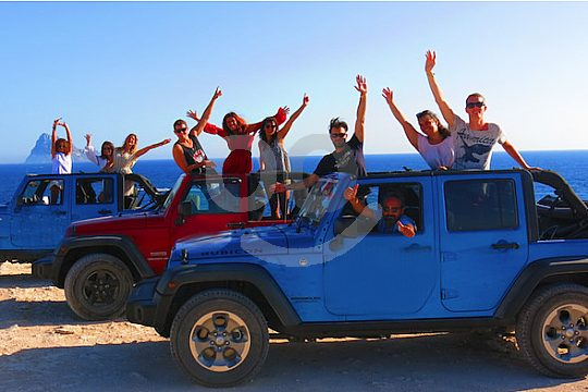By jeep to the most beautiful places of the island
