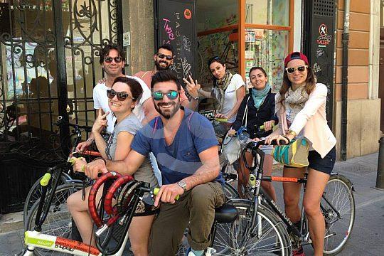Pub Crawl Valencia by bike