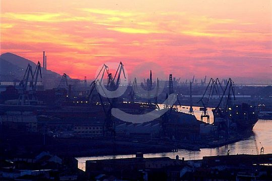 sailing trip Bilbao sunset