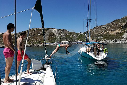 sailing in Rhodes with snorkeling and swimming stops