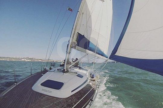 go on a sailing trip in Lisbon with Bavaria 37 or 38
