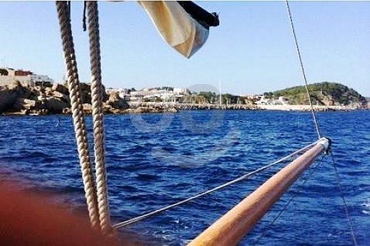 Costa Brava sailing trip