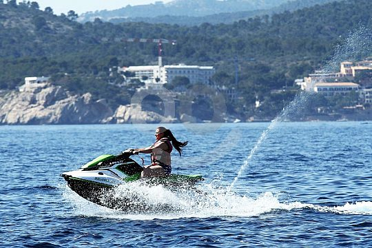 go jetskiing in Santa Ponsa without license