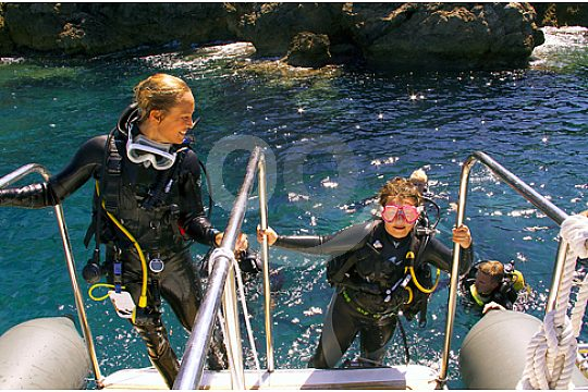 divers at the Open Water dive course in Majorca