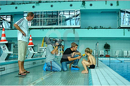 swimming learn mallorca interview at the swimming pool