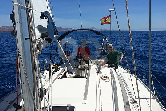 Learn to sail with skipper on sailboat Lanzarote