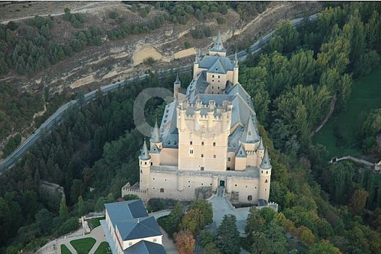 fly with a hot air balloon over Segovia