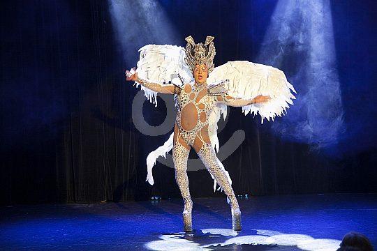 Dancer at evening show in Puerto de la Cruz