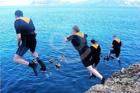 Coasteering Mallorca cliff jumping