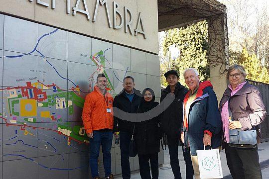Albaicín city tour through Granada