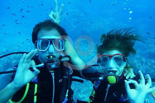 diving OK sign