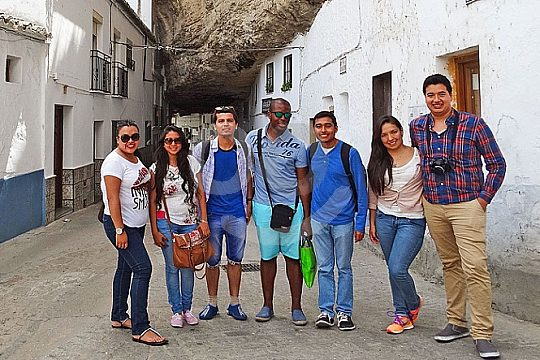 tour in Andalusia to Setenil de las Bodegas