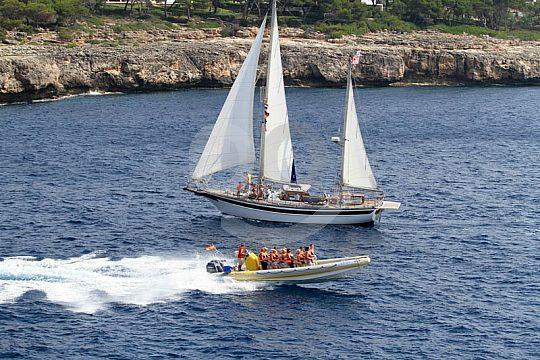 Mit dem speedboot auf Mallorca