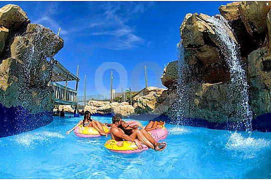 Fun in the pool in Mallorca