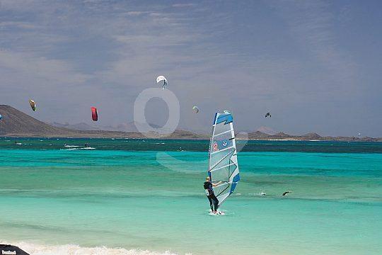 learn windsurfing in Corralejo