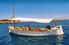 Boat trip on Majorcan Llaüt in the east of Majorca