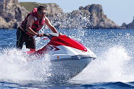 Ride a jetski in Mallorca in Santa Ponsa / Paguera: Zoom over the waves