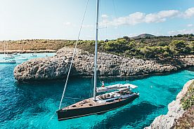 Charter a luxury sailing yacht with skipper in Mallorca on the east coast