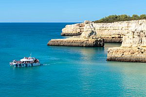 Great Algarve boat trip on the catamaran with barbecue at the beach