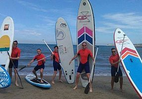 Stand up paddle surfing in Valencia: SUP course for beginners or stand up paddle rental