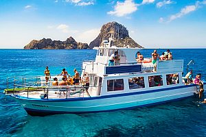 Ibiza boat tour to the magical rock Es Vedra and sightseeing in Formentera